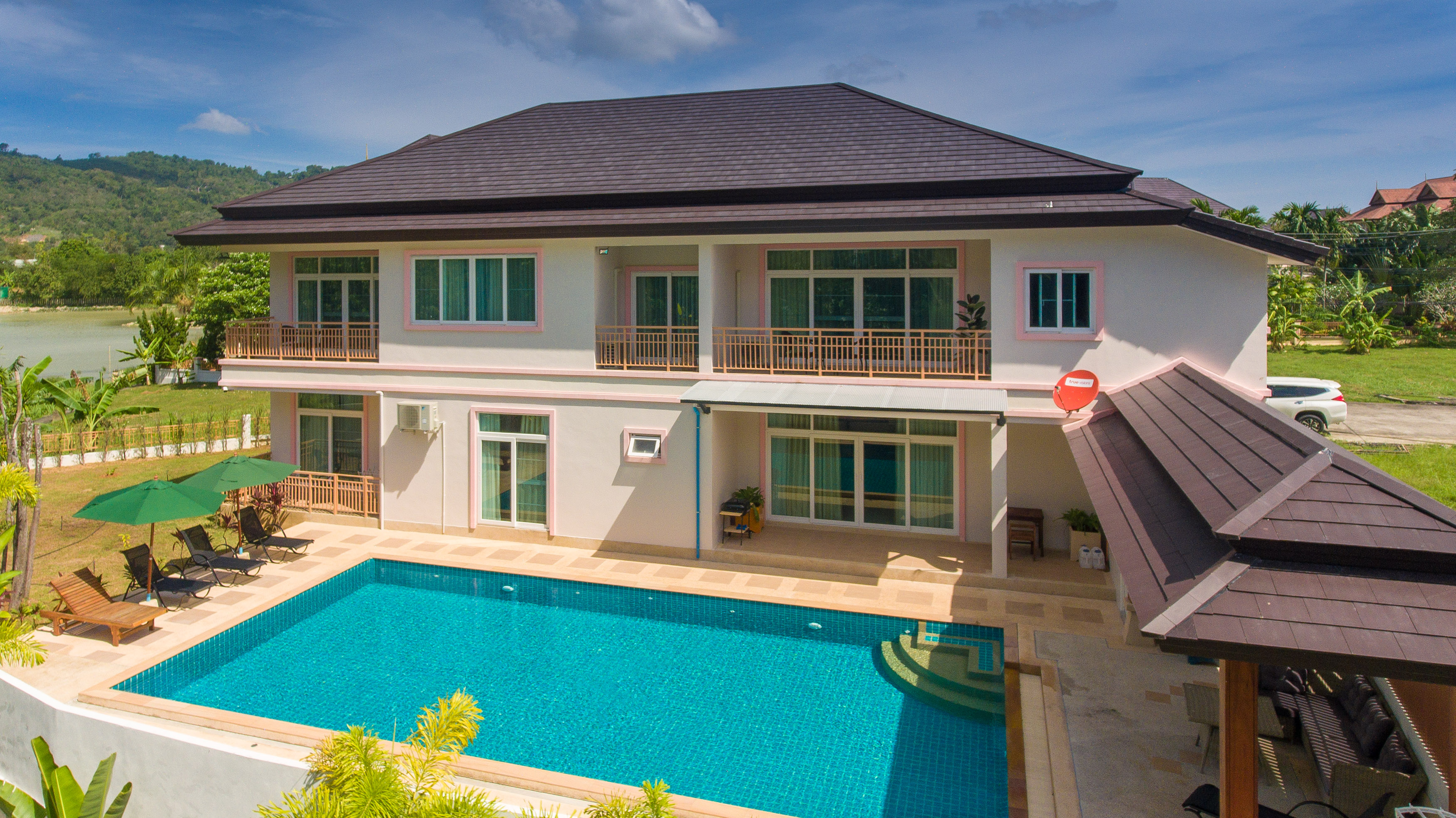 group travel villa